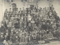 Missionnaires, professeurs et élèves de l'école des missionnaires à Orfa, 1904 (auteur, Frère Raphaël, missionnaire capucin)